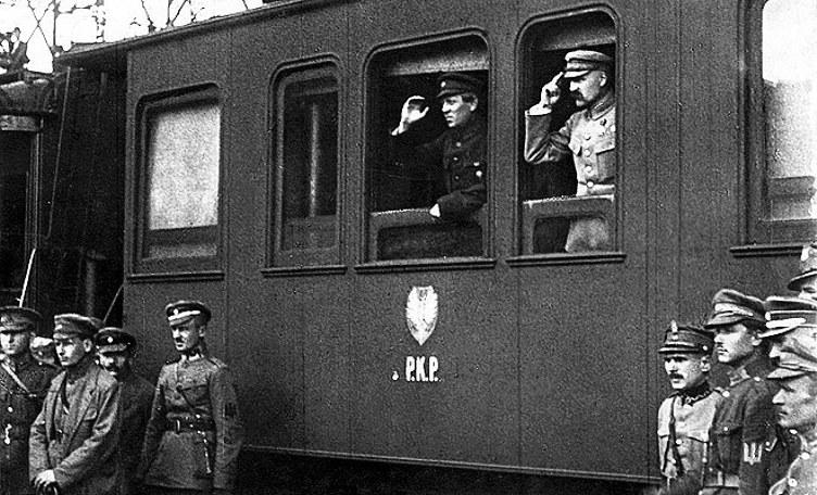 Józef Piłsudski i Semen Petlura w oknie pociągu, Winnica, Ukraina, kwiecień 1920 r.